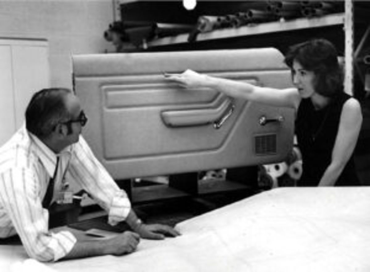 Mimi Vandermolen wasn't the first woman designer at Ford Motor Co., but the timing of her arrival may have made her the most important.
