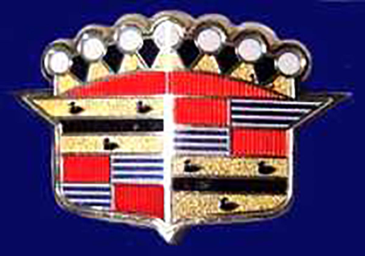 0423-CadillacCrest-300