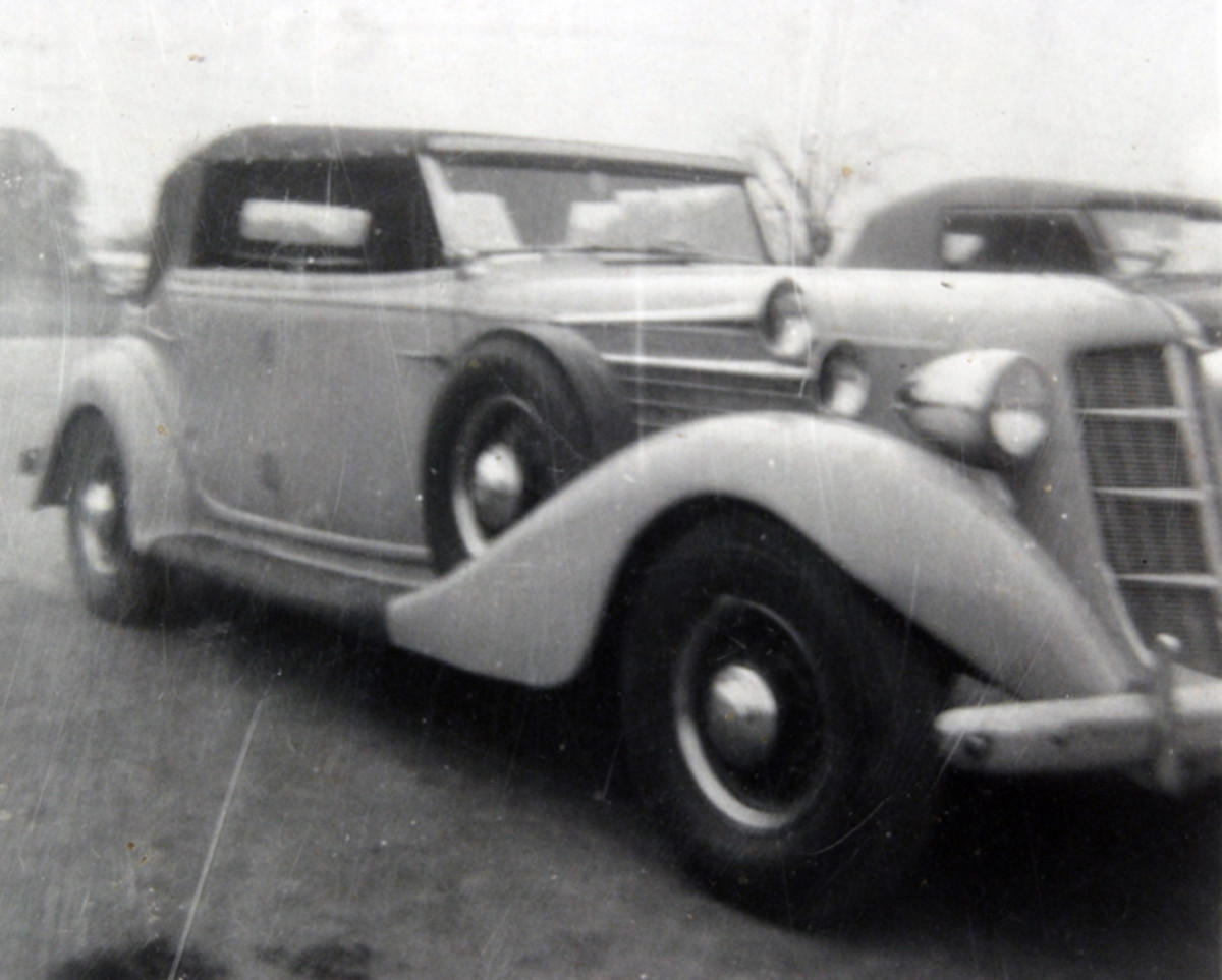 One of Joe Kaufmann's early Auburns was this non-supercharged '35 phaeton.