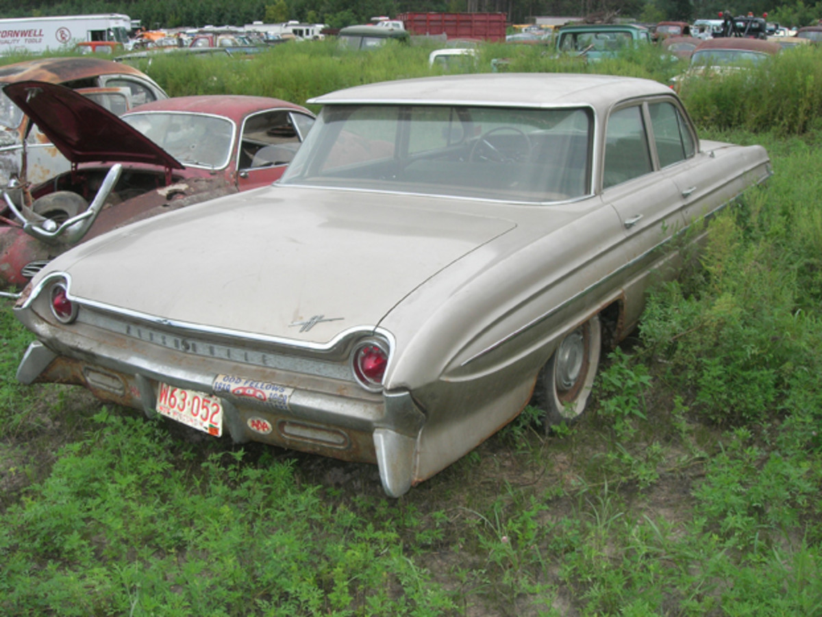 For a 50-plus-year-old car, the interior in this 1961 Oldsmobile Dynamic 88 sedan remains in like-new condition. Powered by a Rocket V-8, this car is too nice to be in a salvage yard.
