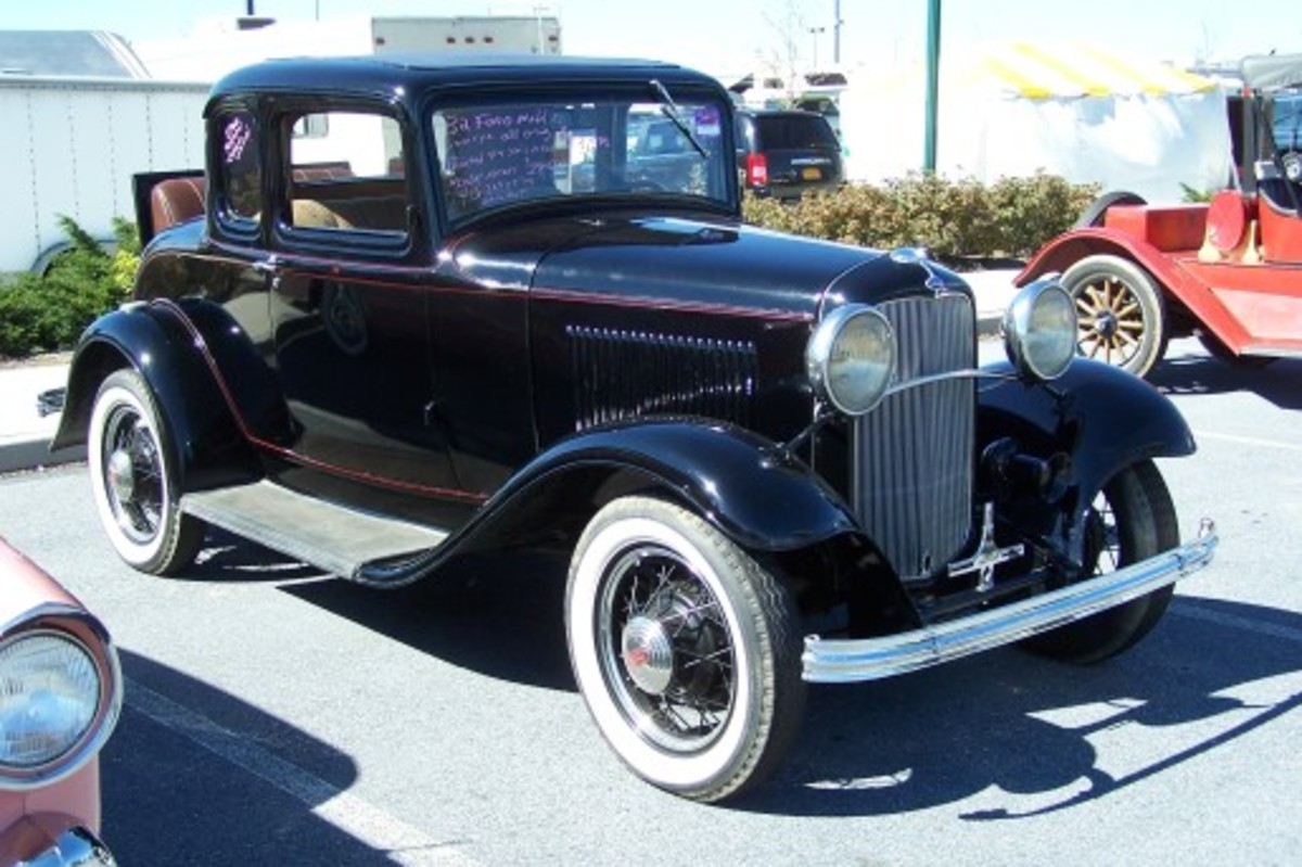 Her 1932 Ford B 5W coupe