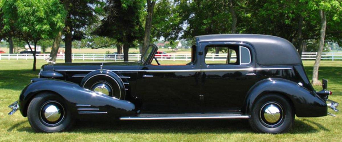 1934-Cadillac-V16