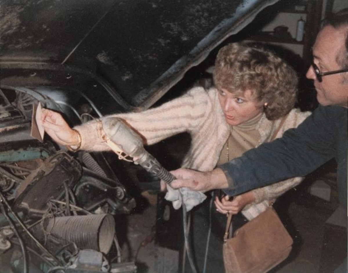 James Ashworth's wife and Hal Bancroft, who restored the car for Ashworth, try to determine which of the three blue colors found on the Skylark's body is the original. From that, they matched the interior leather color. Ashworth said the Skylark was painted three times in three different blues. Clearly, he restored in a lighter blue color rather than the darker blue color in which it was found.
