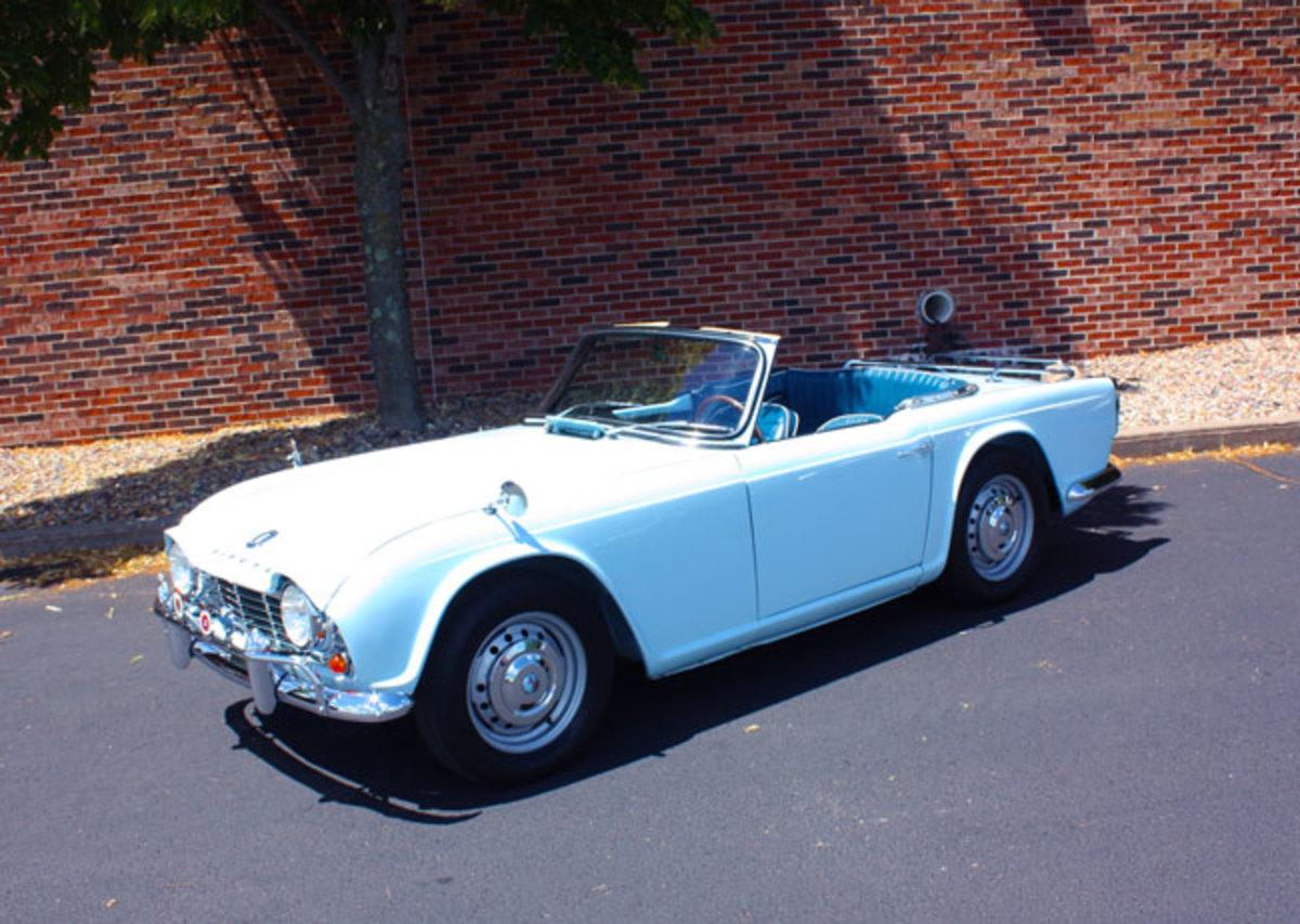 1962-Triumph-TR4-7