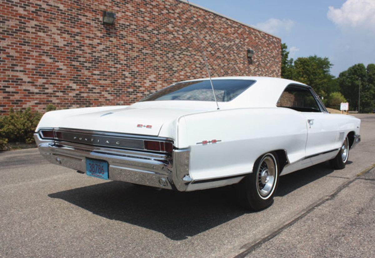 1965-2+2-rear