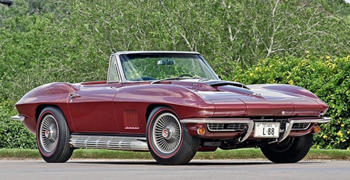 Dana Mecum sold this rare L88 1967 Corvette roadster for a record price of $3.2 million. It is one of 20 such cars built, and combined with its documented race history and the emotion behind the sale, bidding went through the roof.