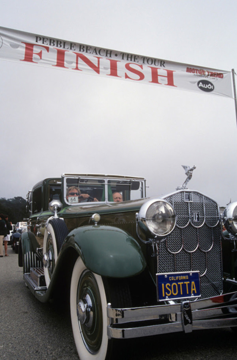1928 Isotta Fraschini Tipo 8A Castagna Imperial Landaulet lines up for the 1998 Tour