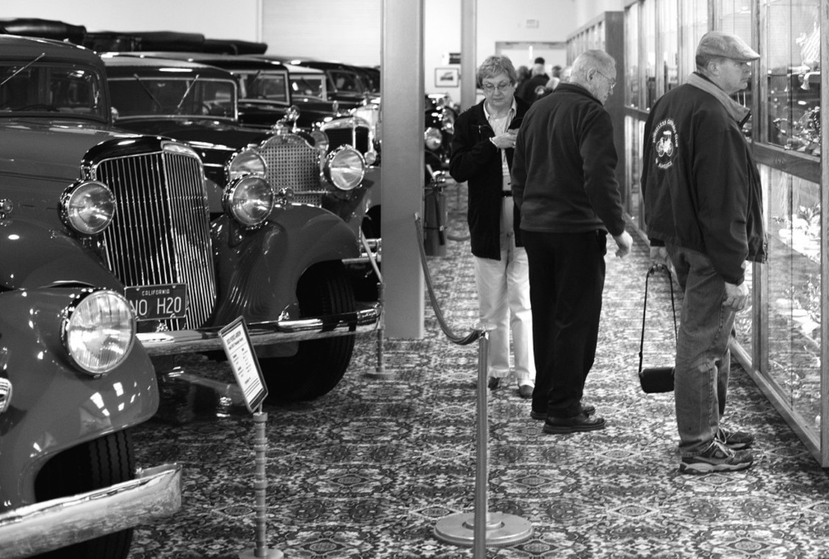 HCCA members view the Nethercutt Collection.