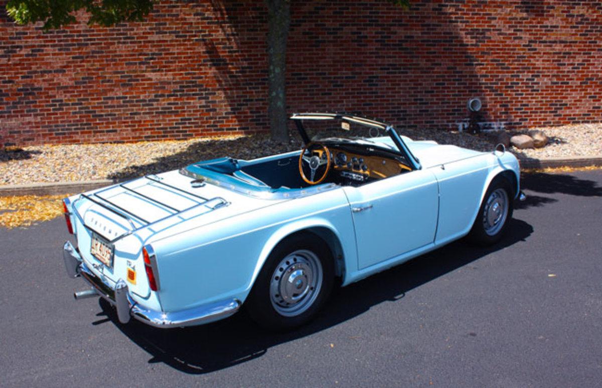 1962-Triumph-TR4-6