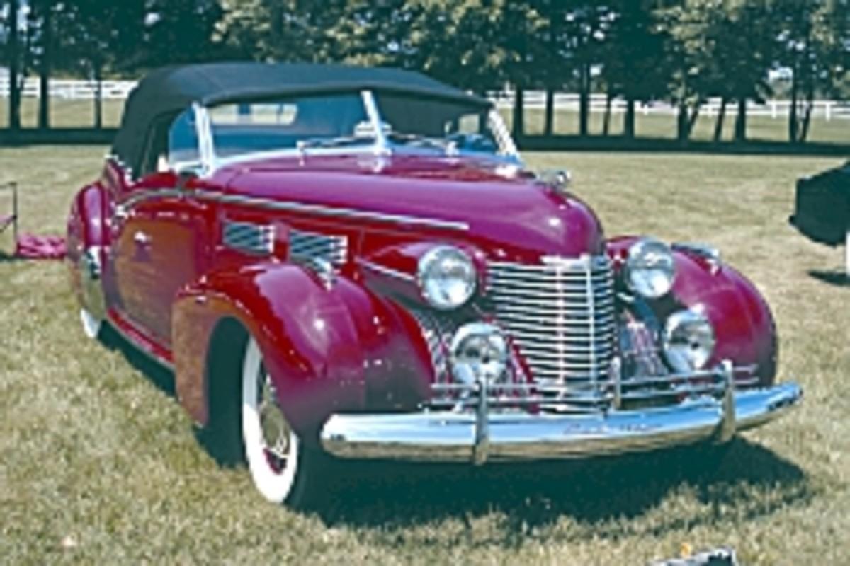 1940 Cadillac victoria.jpg