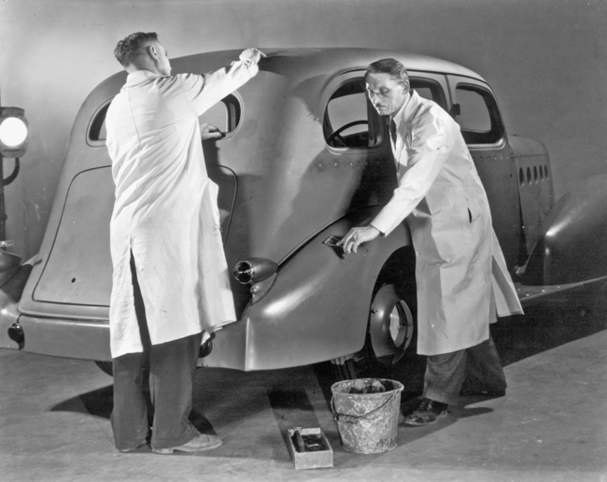 Even though the LaSalle was already cancelled by management, vice president in charge of styling, Harley Earl, ordered his team of designers to develop a new LaSalle for 1934. Upon selecting the design by Jules Agramonte, he ordered clay mockups to be fabricated. Seen here is the full-size clay mockup of a 1934 sedan being prepared. (GM Media Archive)