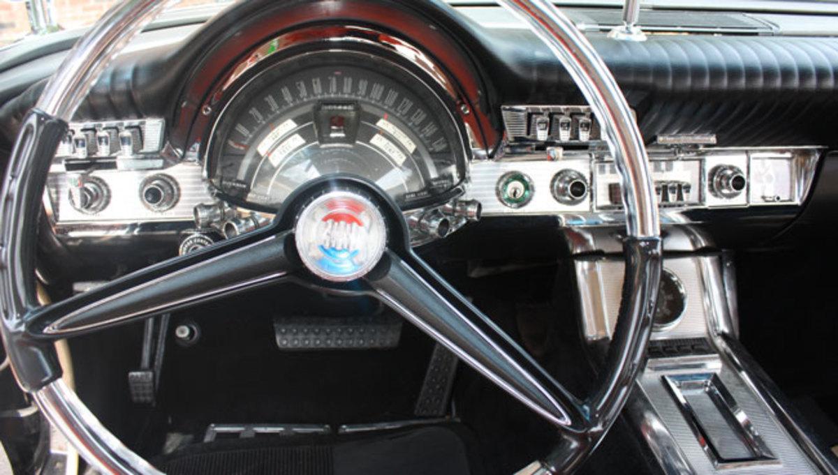 1961-Chrysler-300-3