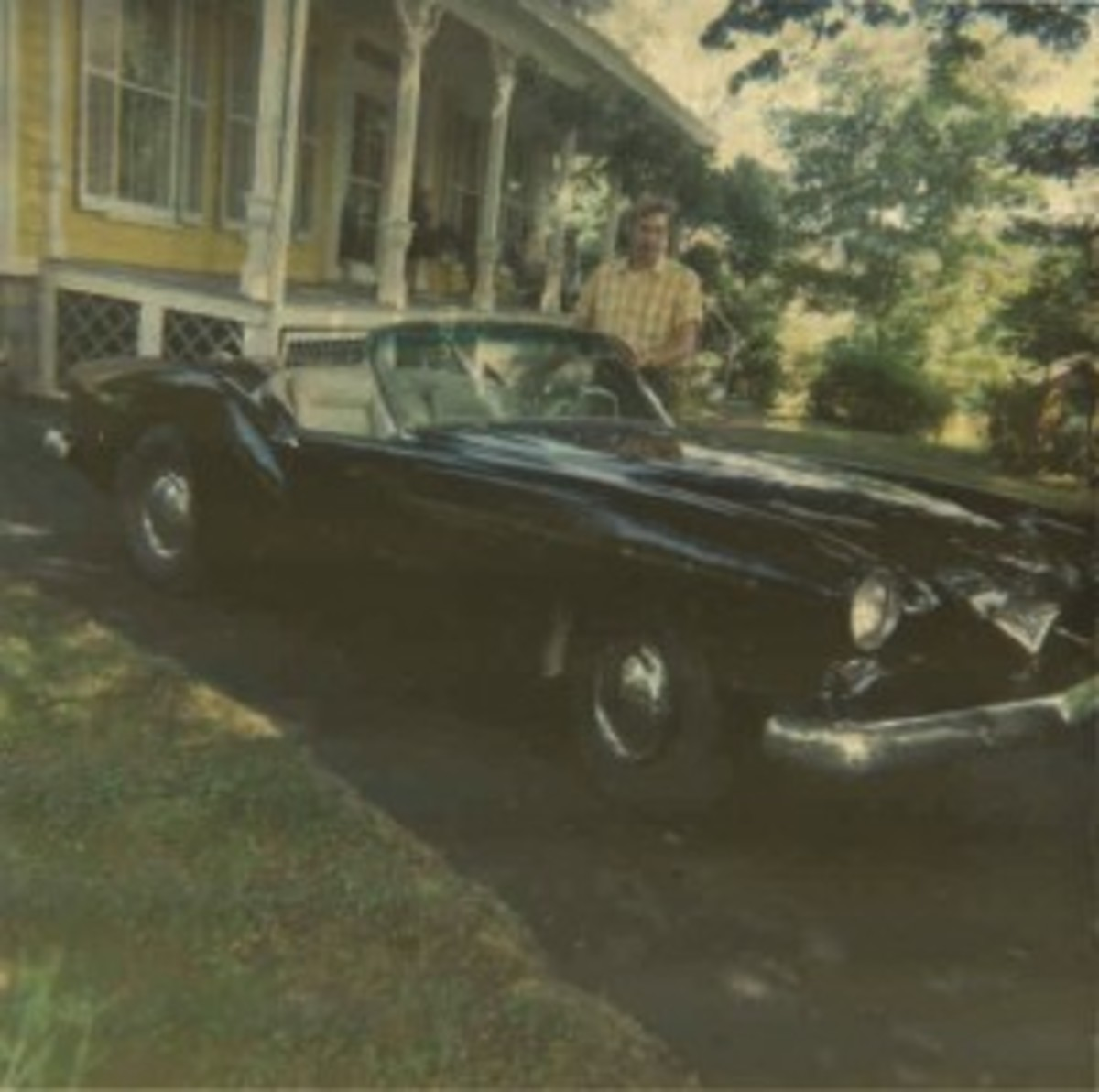 Red & White Darrin as repaired in 1968 [after 1963 wreck].jpg