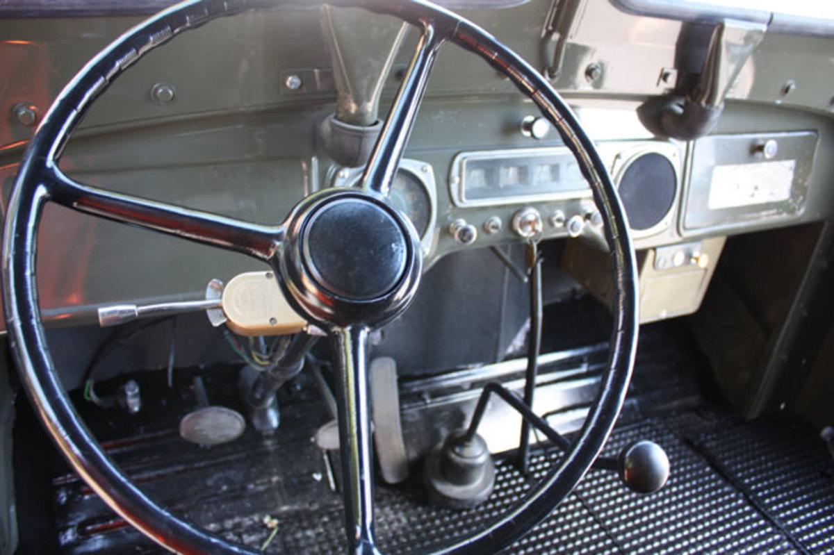1951-mail-truck-9