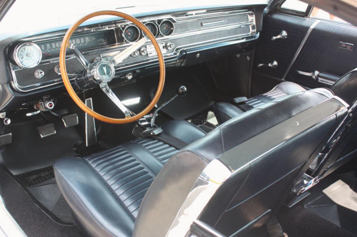 1965-442-interior1