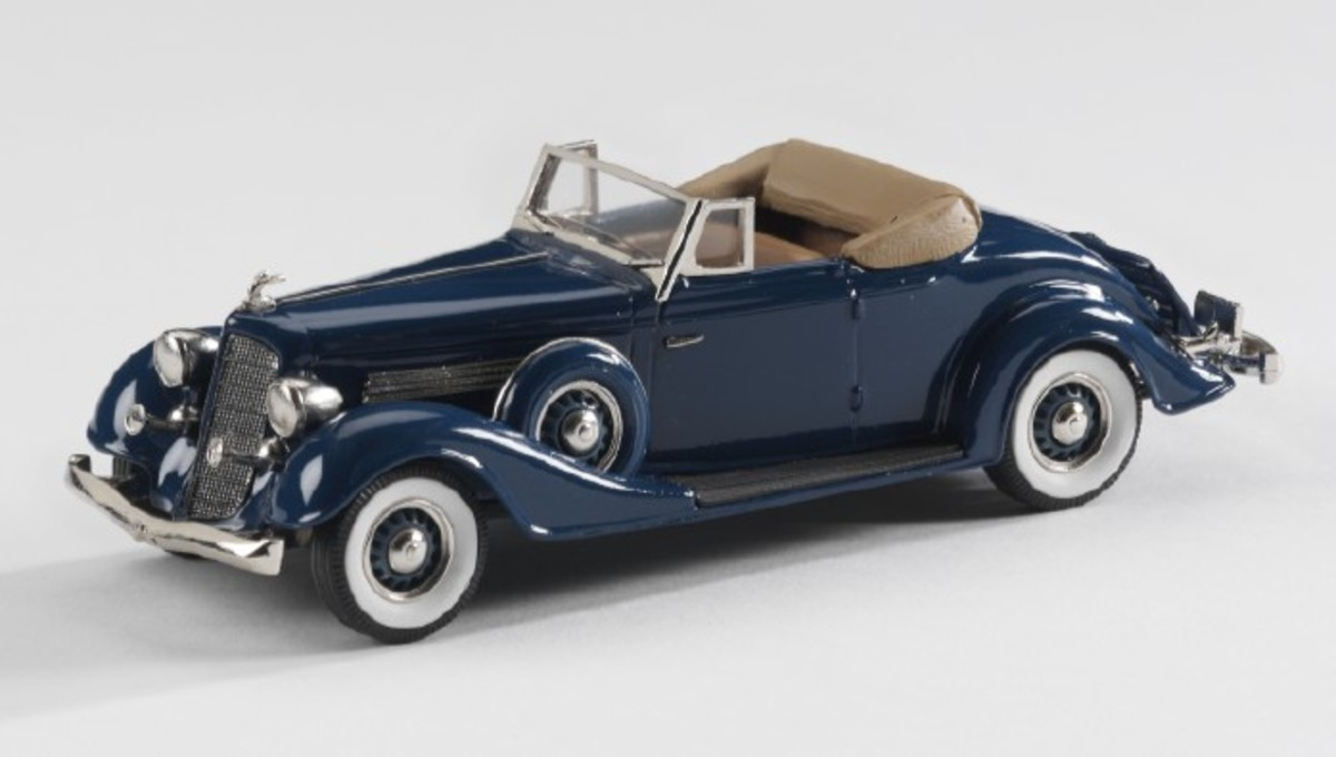 Brooklin's 1934 Buick Series 60 convertible coupe