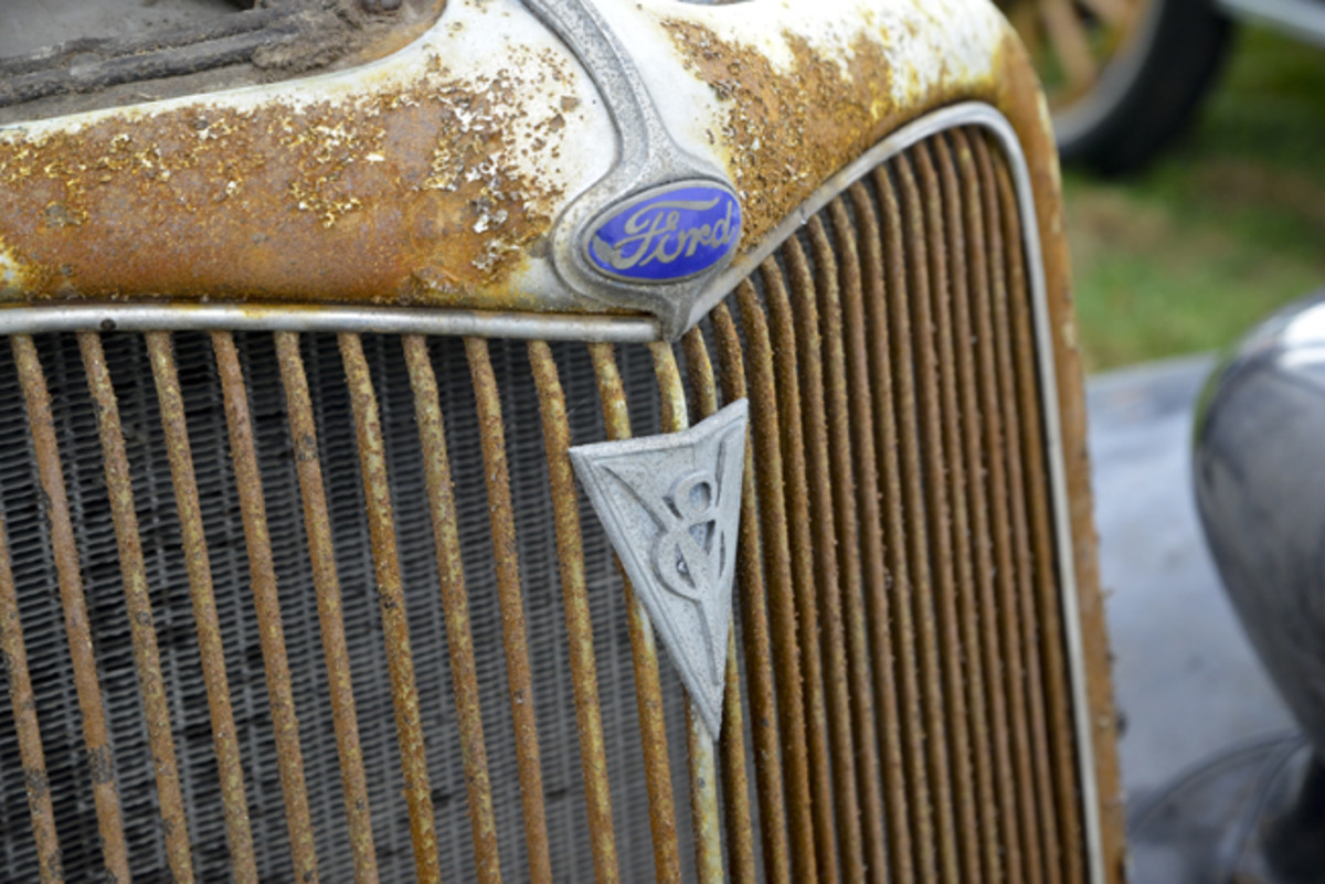 With a straight face, Ford was able to claim that its V-8 was the first in the lowest-price field, so touting it in the grille badge made perfect sense.
