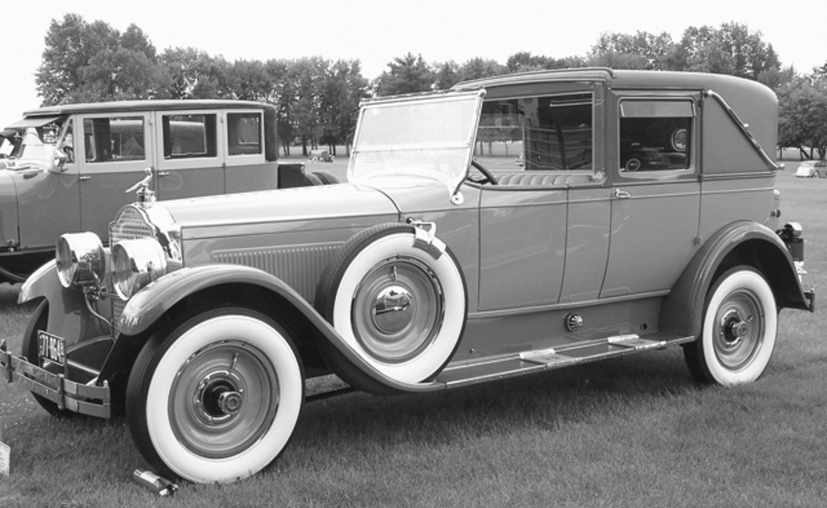 1924-Packard-town-car