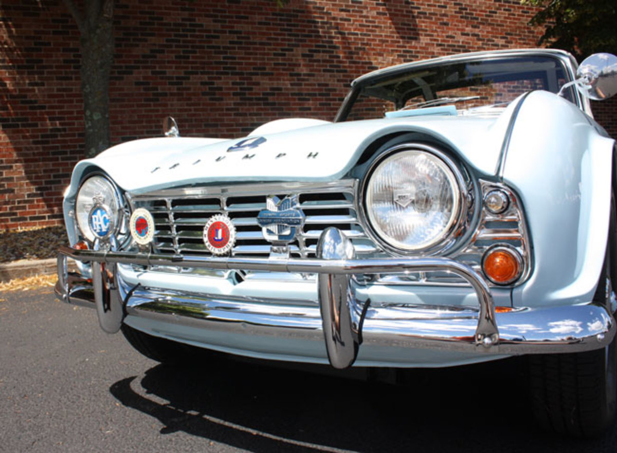 1962-Triumph-TR4-10