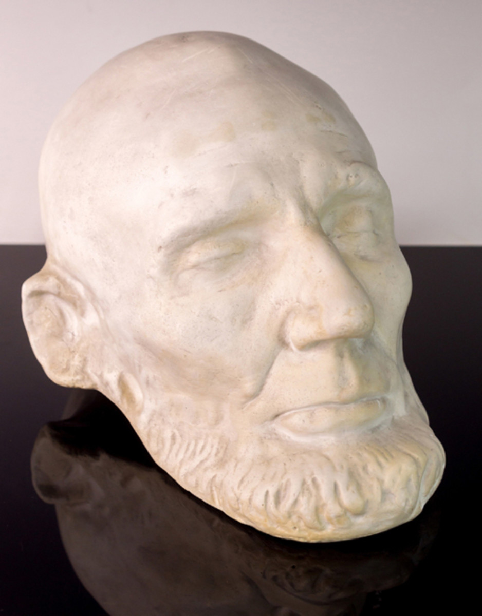 One highlight of J. Levine's September auction is a Clark Mills plaster cast from the original plaster life-mask of President Abraham Lincoln, taken in the White House on February 11, 1865. Lincoln sat for two life-masks, one by sculptor Leonard Volk in April 1860 and the other by sculptor Clark Mills, taken two months before Lincoln's assassination. Mills' mask is the only presidential life mask that portrays Lincoln's entire head, as Volk had left the back open. The three-day auction begins on Thurs., Sept. 29 in Scottsdale, Arizona. www.jlevines.com (PRNewsFoto/J. Levine Auction & Appraisal)