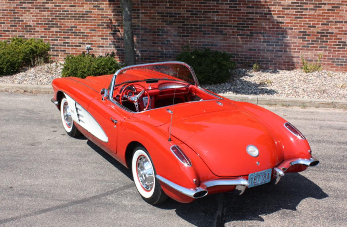 1960-Corvette-rear