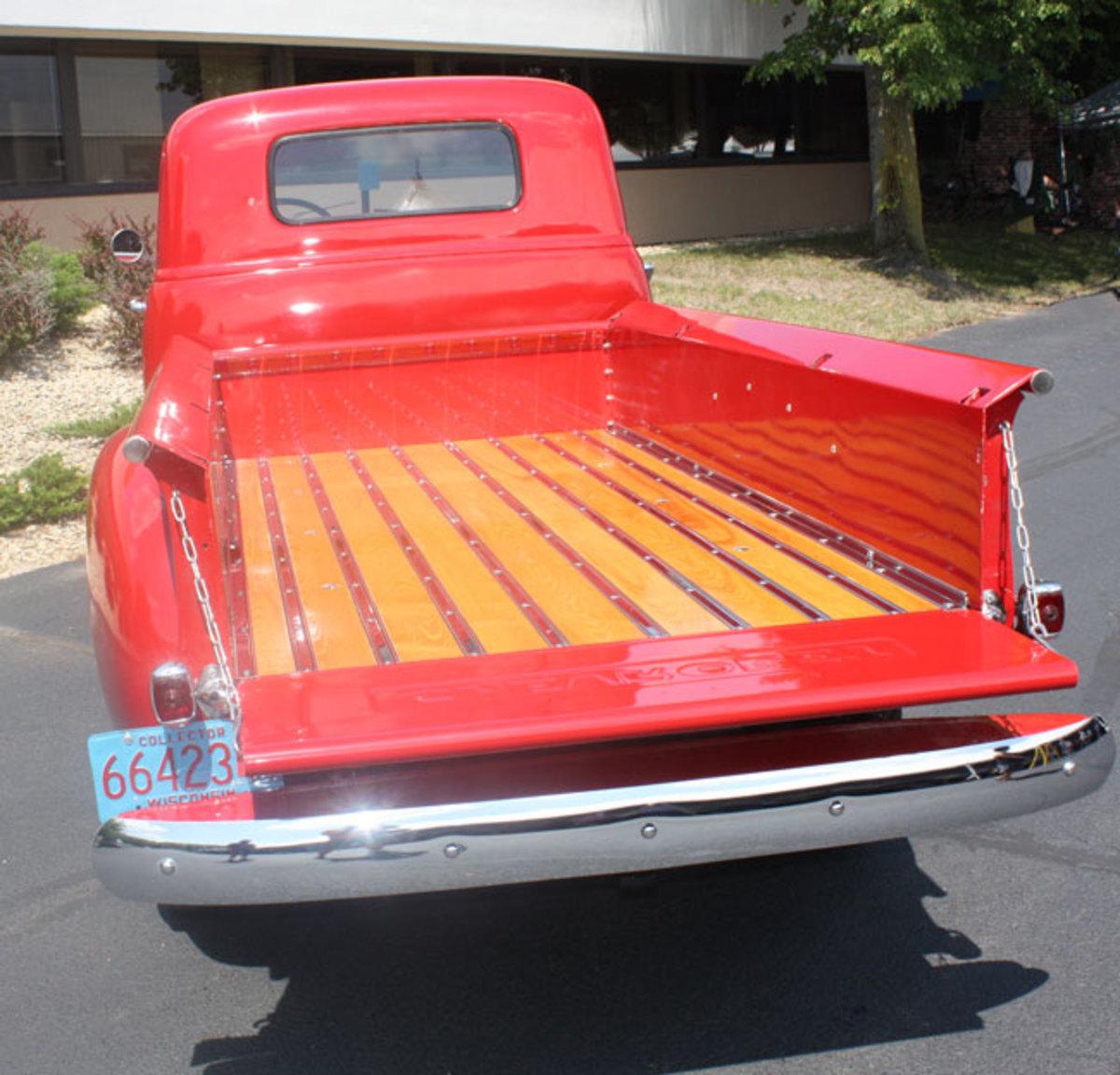 1947-Chevy-1-ton-4