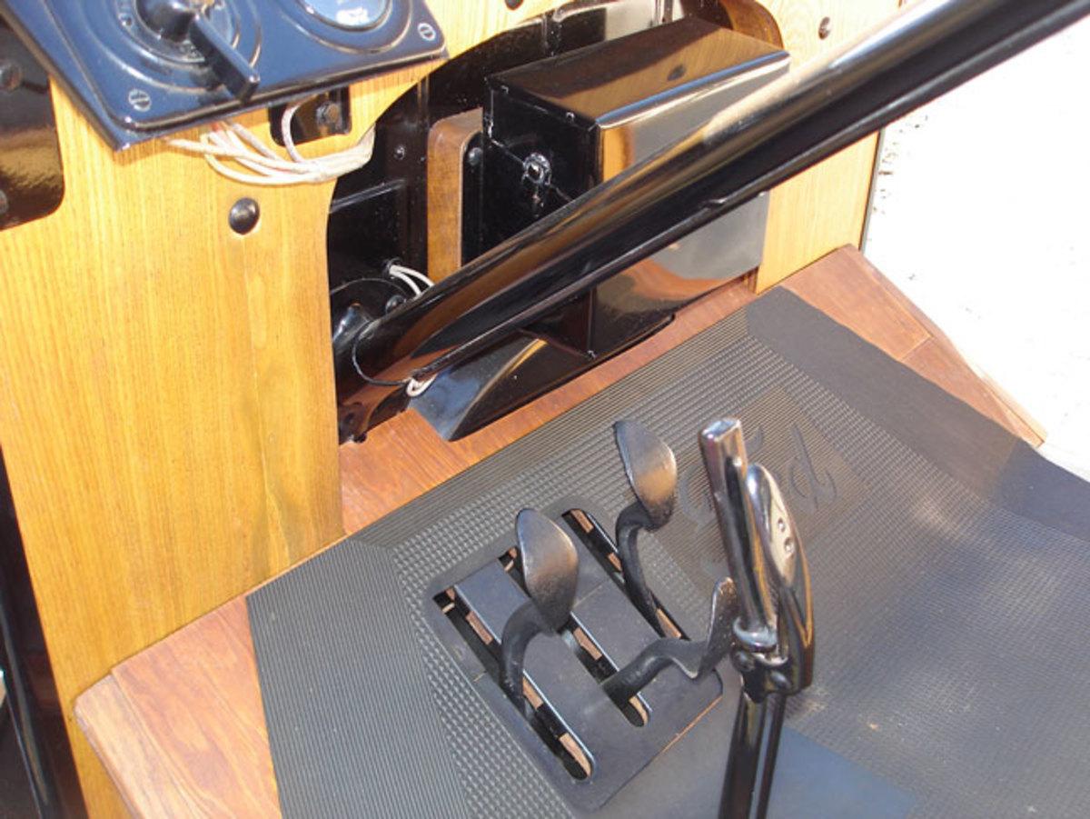 1923-Model-T-pedals