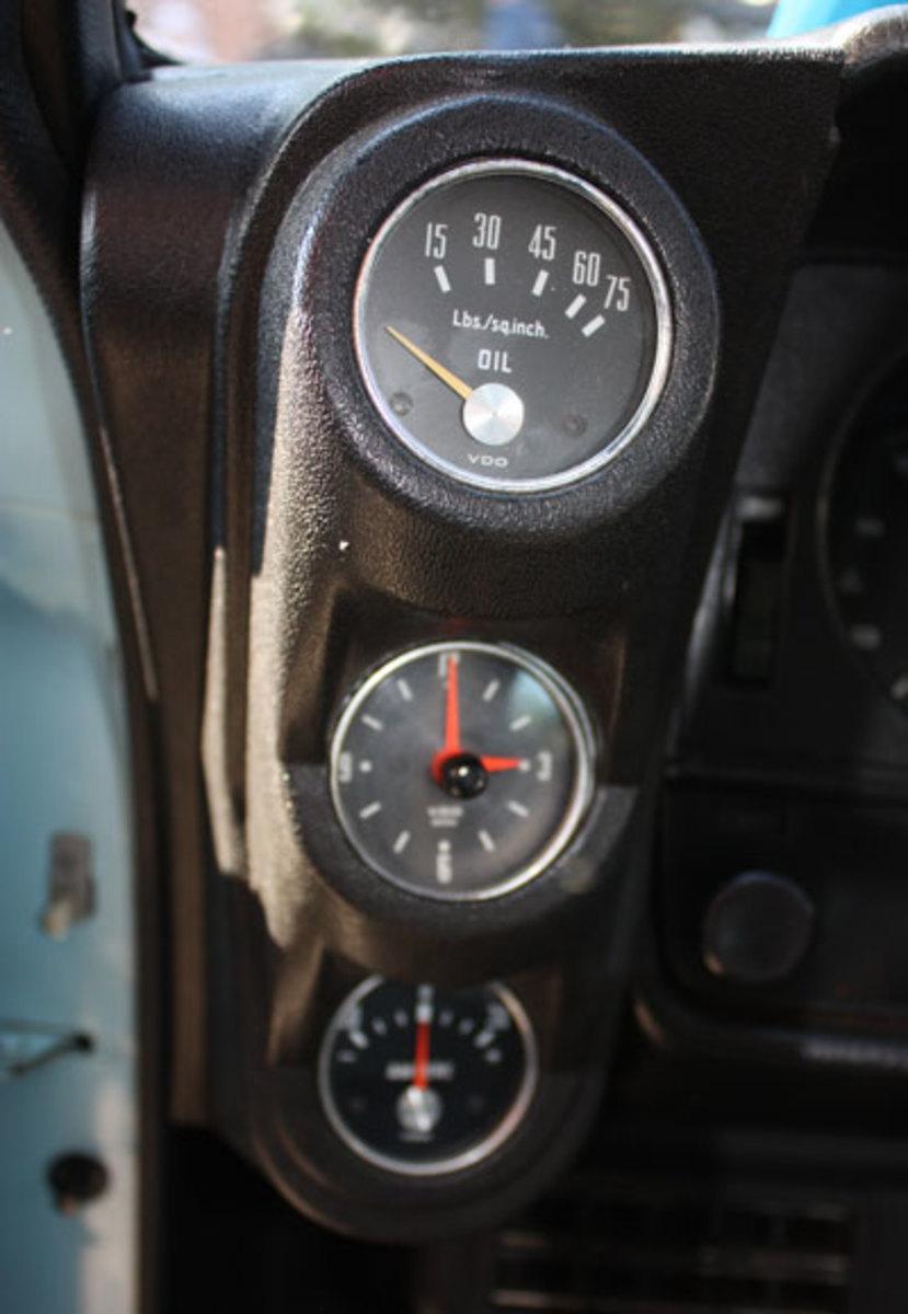 1973-Rally-Manta-gauges