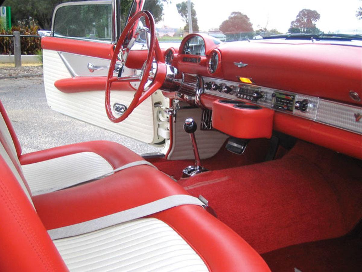 1956-Thunderbird-4