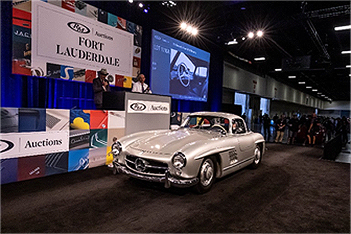 Celebrity-owned 1955 Mercedes-Benz 300 SL Gullwing (Andrew Miterko © 2019 Courtesy of RM Auctions)