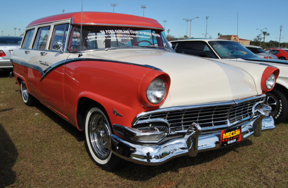 ford-56-cntry-sdn