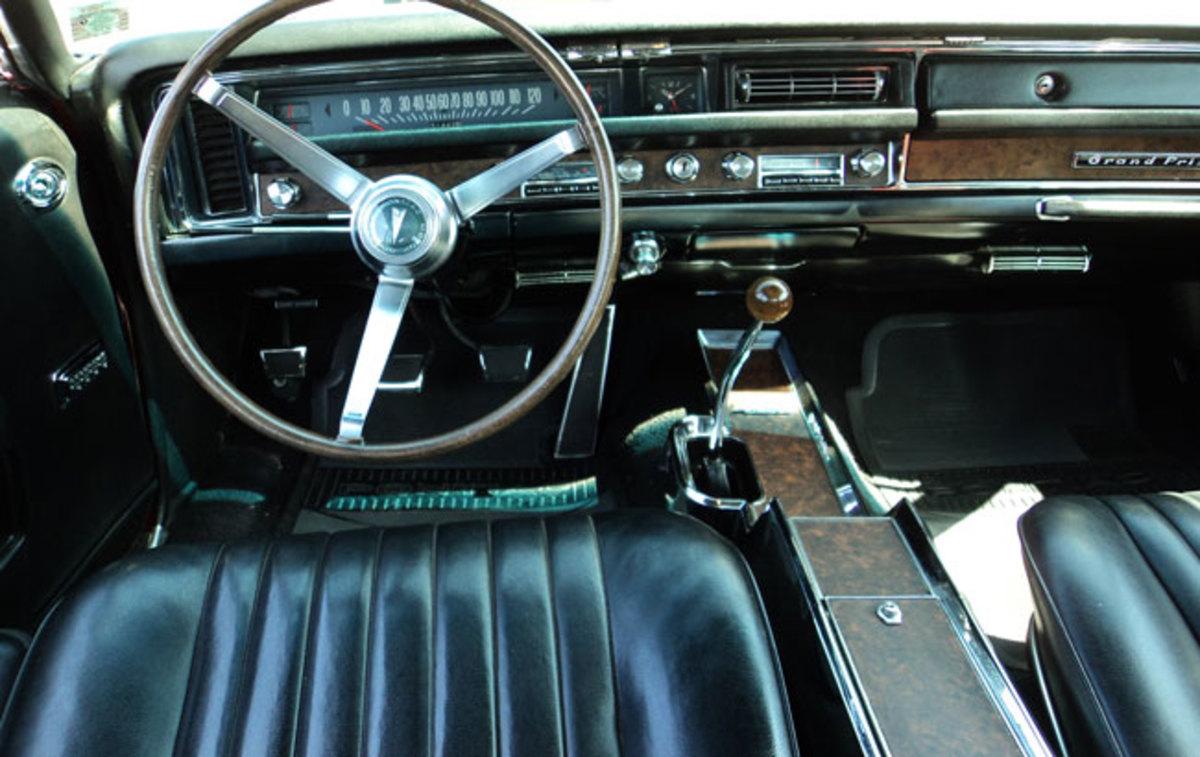 1968-Grand-Prix-interior1