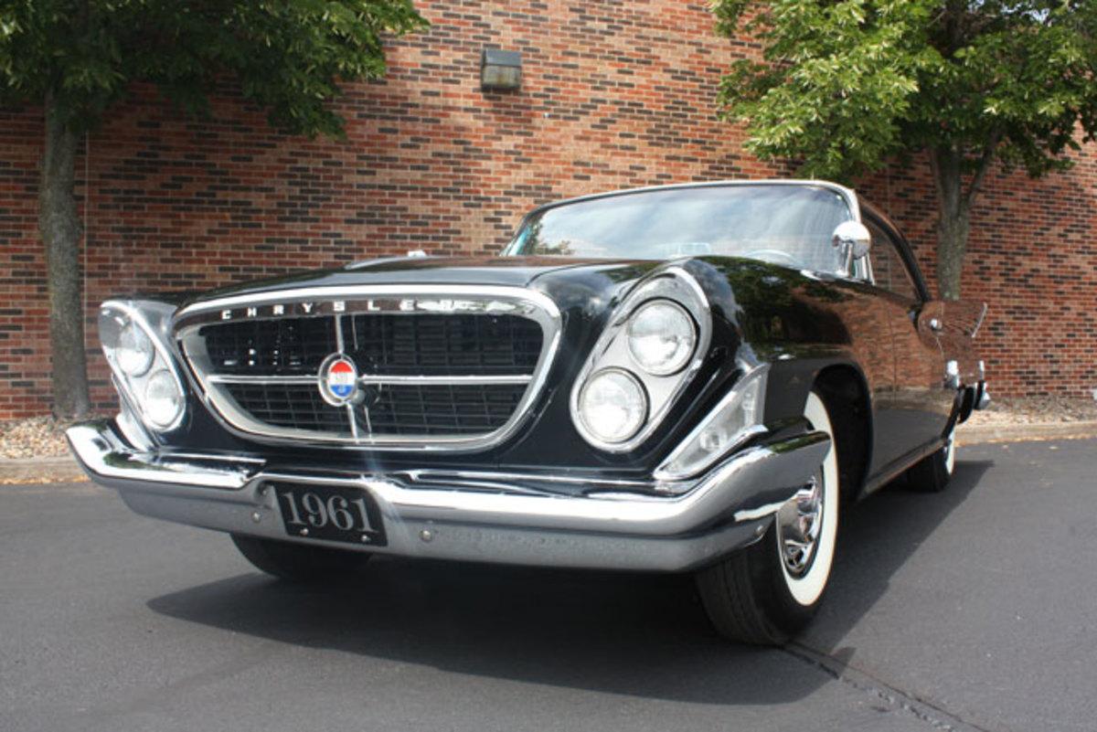 1961-Chrysler-300-11