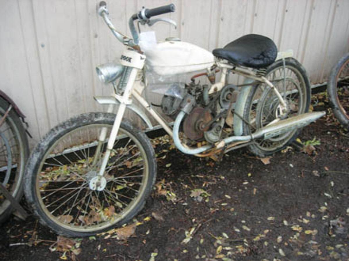 "Nicknamed the ""Spook,"" this Whizzer Ambassador motorbike sold for $2,600."