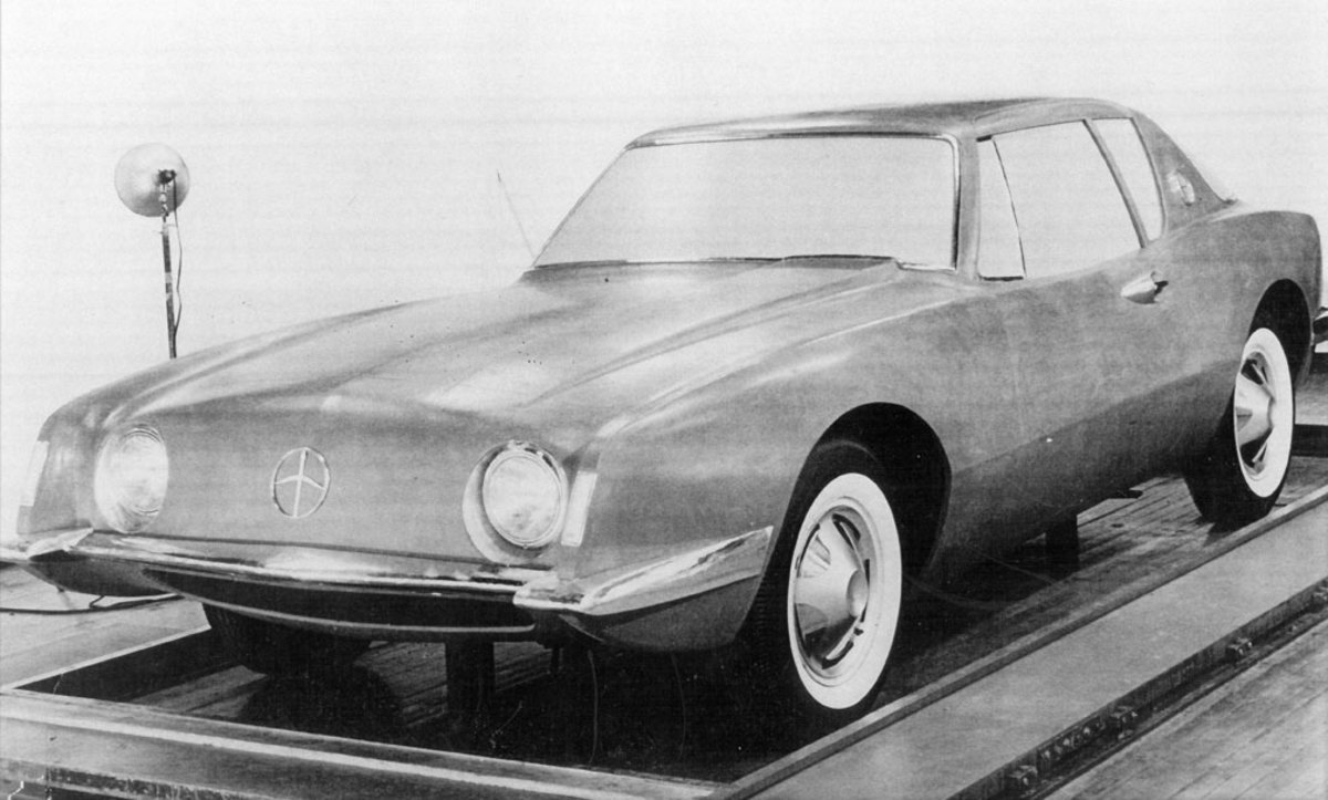 The full-size clay model of the fresh Avanti sports coupe from Studebaker. Note the unique emblem on the nose that did not make it to production.