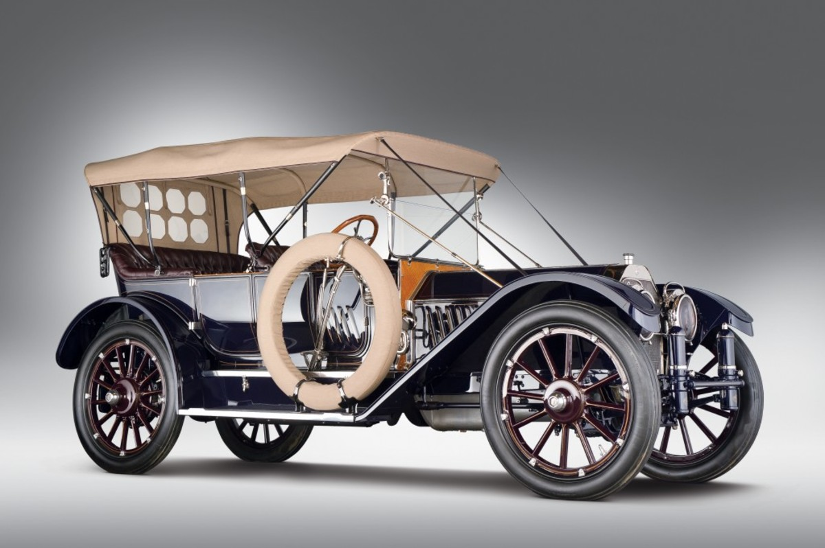 RM Auctions' Milhous Collection sale will include this 1912 Oldsmobile Limited five-passenger touring. Presale estimate: $1.4 to $1.6 million.
