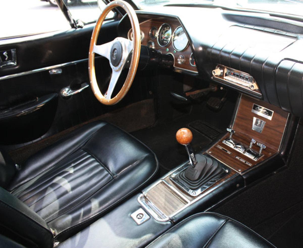1963-Avanti-interior