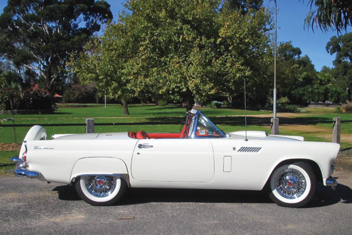 1956-Thunderbird-7