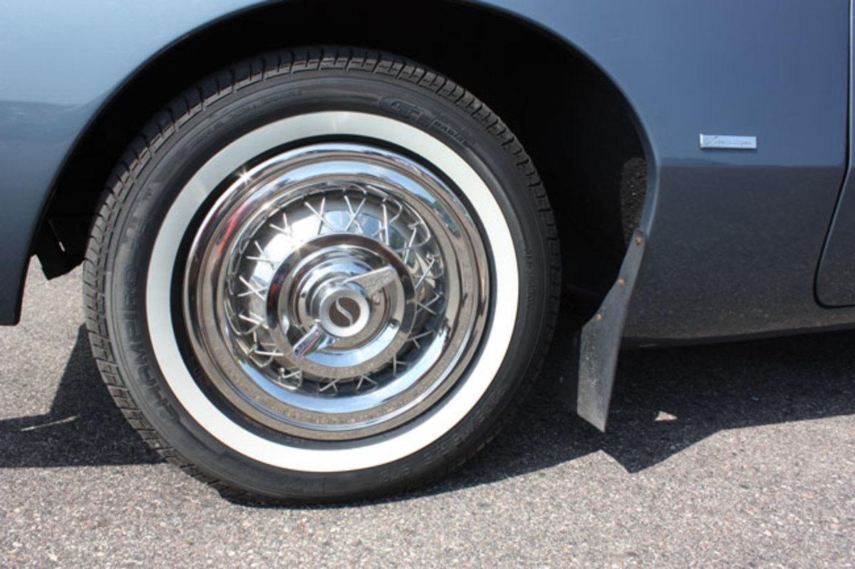 1963-Avanti-wheel