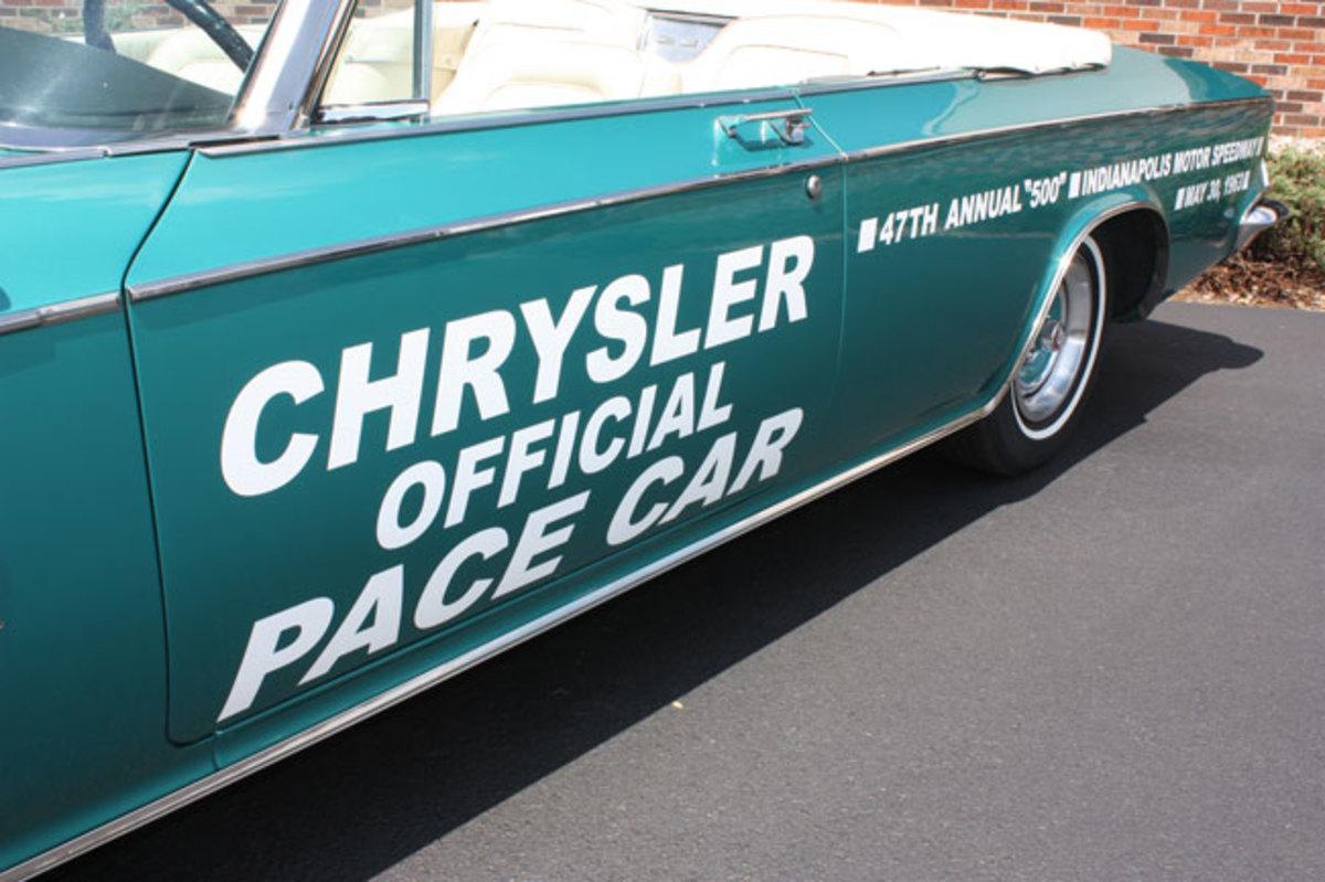 1963-Chrysler-300-Pace-Setter-10