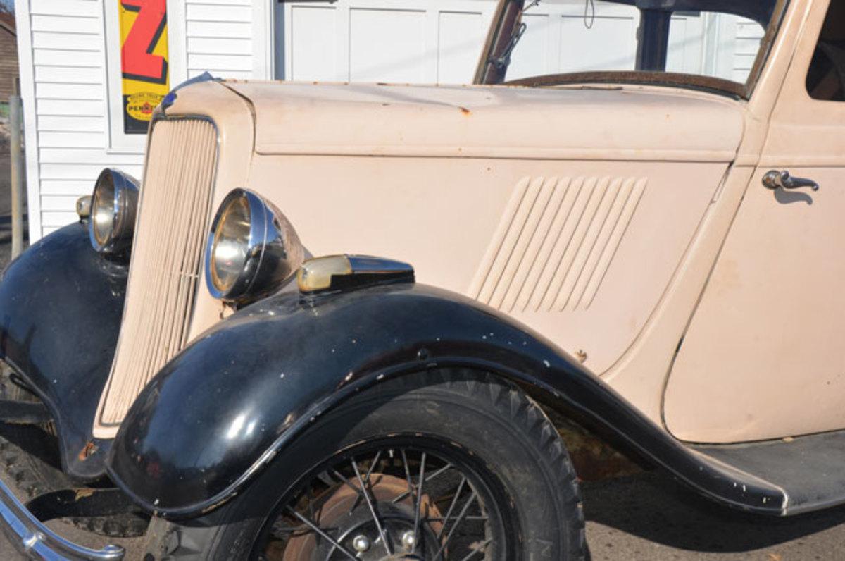 1932-Ford-Model-Y-12