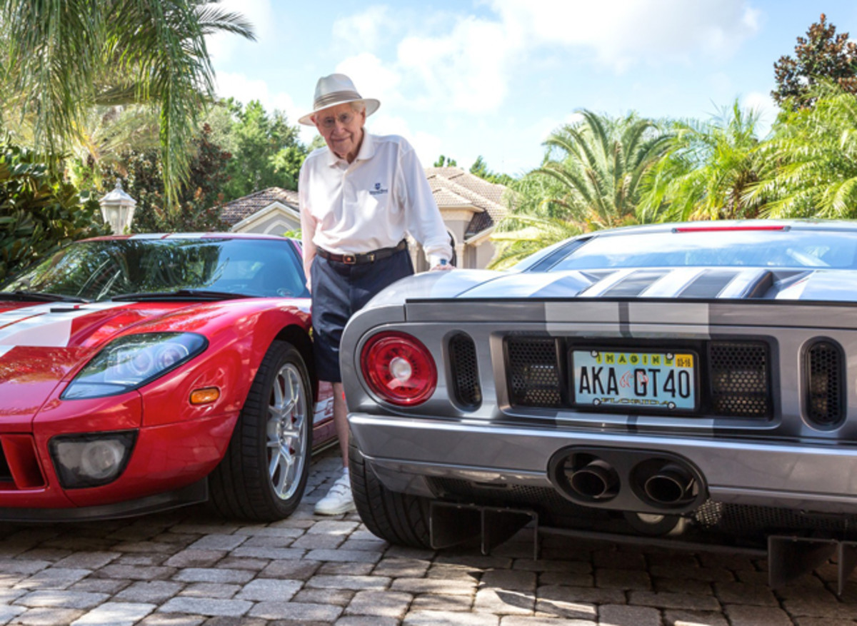 Roy w:Ford GT, gary Jean photosjpg