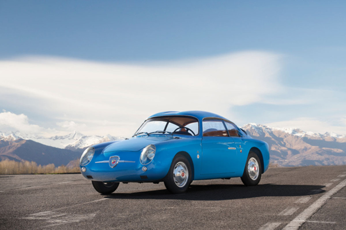 1959 Fiat-Abarth 750 GT 'Double Bubble' by Zagato(Tom Gidden © 2019 Courtesy of RM Sotheby's)