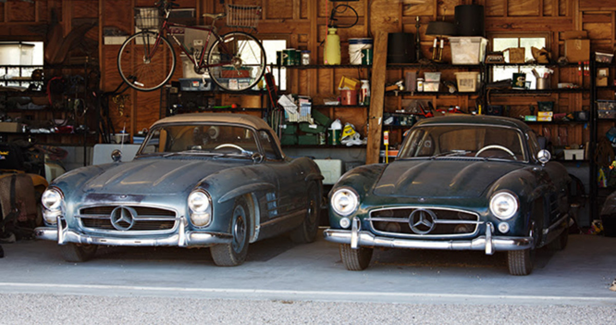 L-R: The 1957 Mercedes-Benz 300 SL Roadster and the 1955 Mercedes-Benz 300 SL GullwingImage copyright & courtesy of Gooding & Company. Photo by Brian Henniker.
