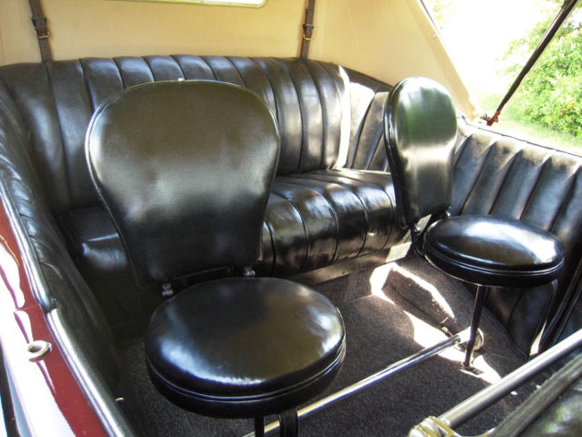 1923-American-backseat