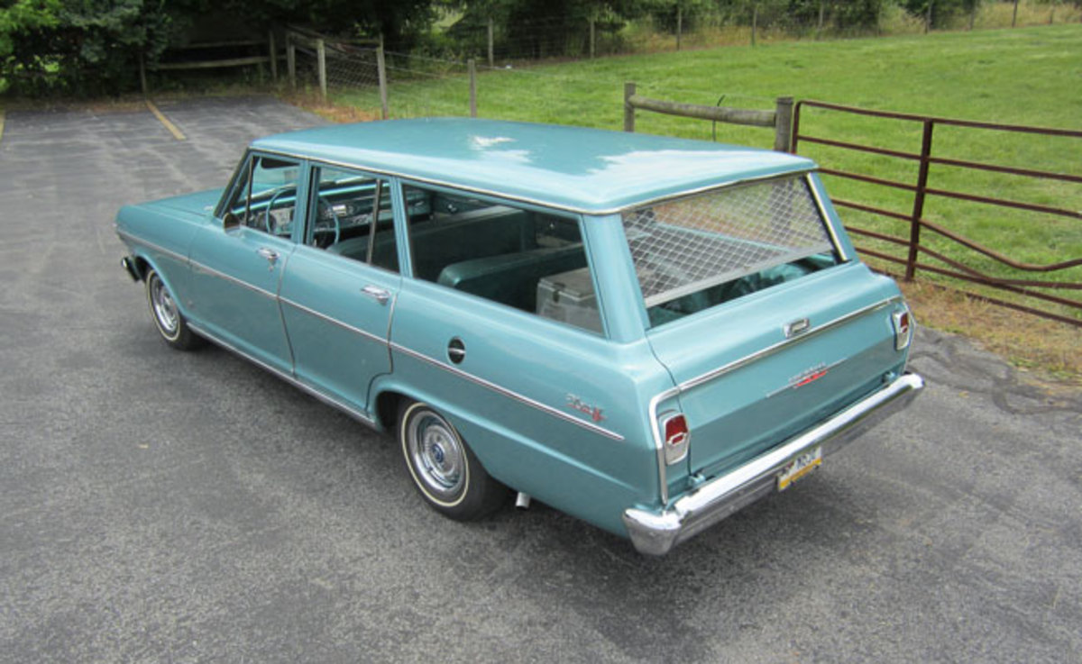 1962-Nova-rear