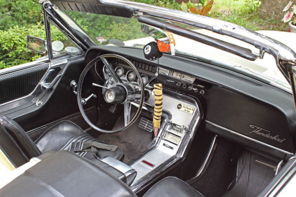 1964-T-Bird-5