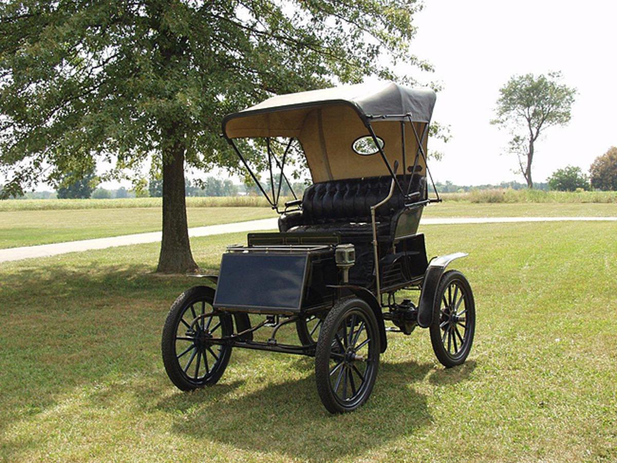 1903 Columbia Electric. Photo - Gilmore Car Museum