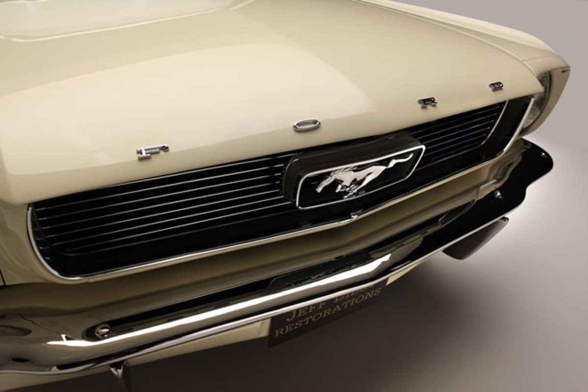 1966-Mustang-grille2