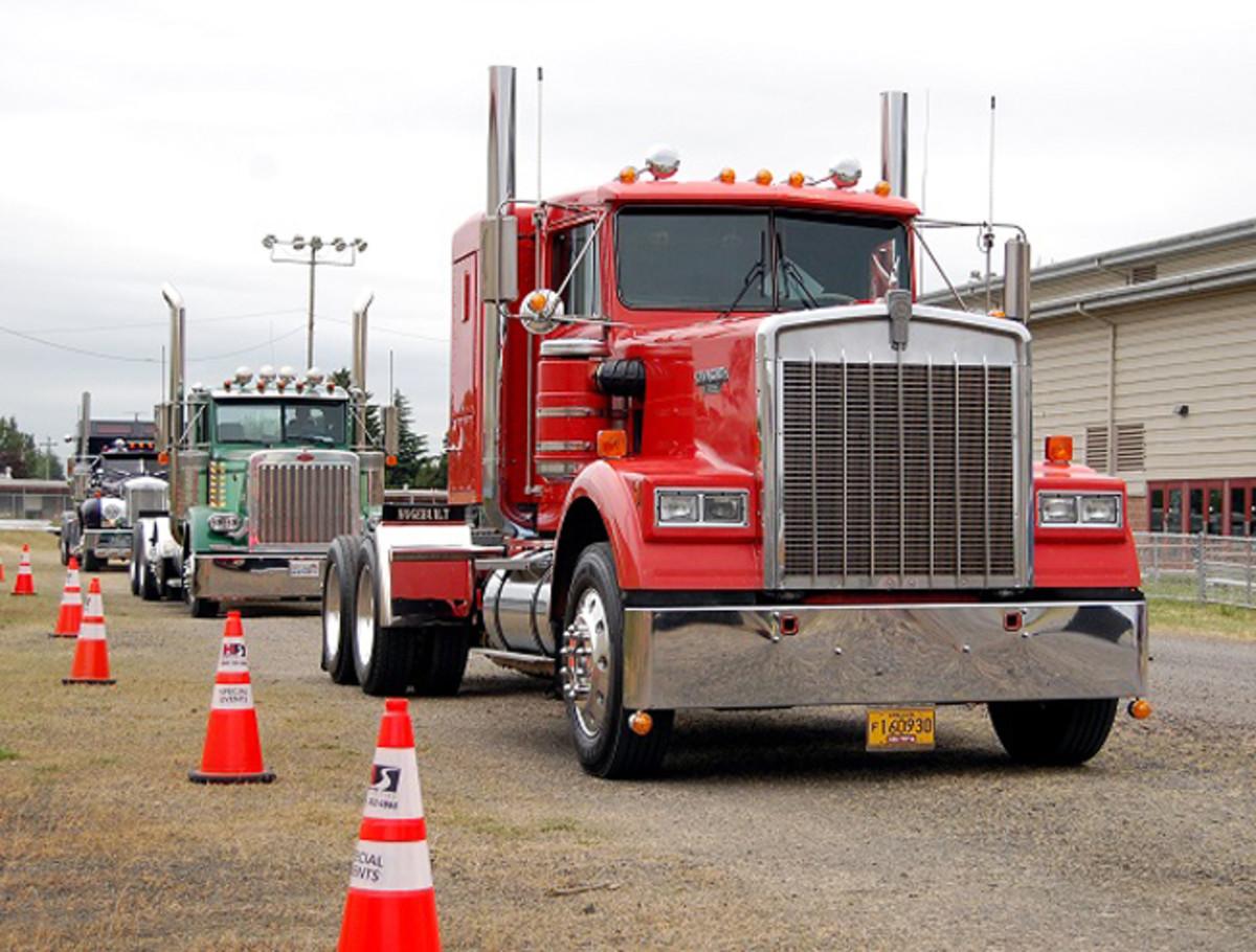 Truck registration-trucks lined up-DSC_0427